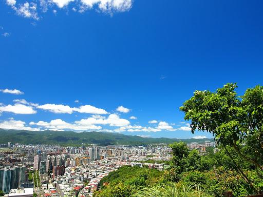 台北清澈乾淨的天空