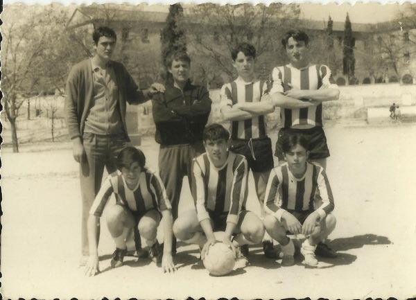 5.-1966.-pie-izq.-der. Angel Carreira Prado, A. Muñoz  Alvarez, M. Bugallo Martinez,¿Luis Lazaro Martinez, en cuclillas- M.Perez  Casais, Mode_resize (1)