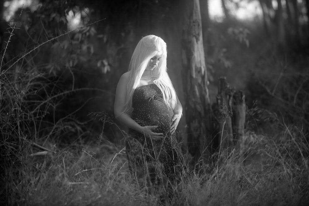 צילומי הריון בטבע, צילום הריון,יניב שמן צלם הריון,צילומי הריון מיוחדים, צלם הריון אומנותיי, צילום הריון יער, צילום הריון בים, רעיון לצילום הריון,YANIV SHEMEN  Pregnancy Photos,