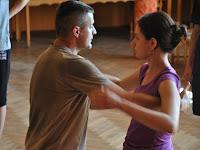 02 Konkoly Annamária és Konkoly László vezette a táncoktatást.JPG