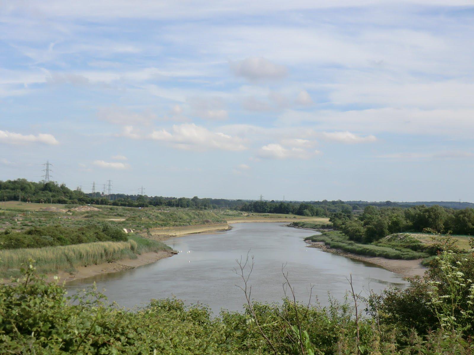 CIMG1936 River Medway between Halling and Snodland