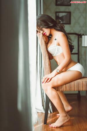 Ngắm gái đẹp với bikini trắng khó cưỡng