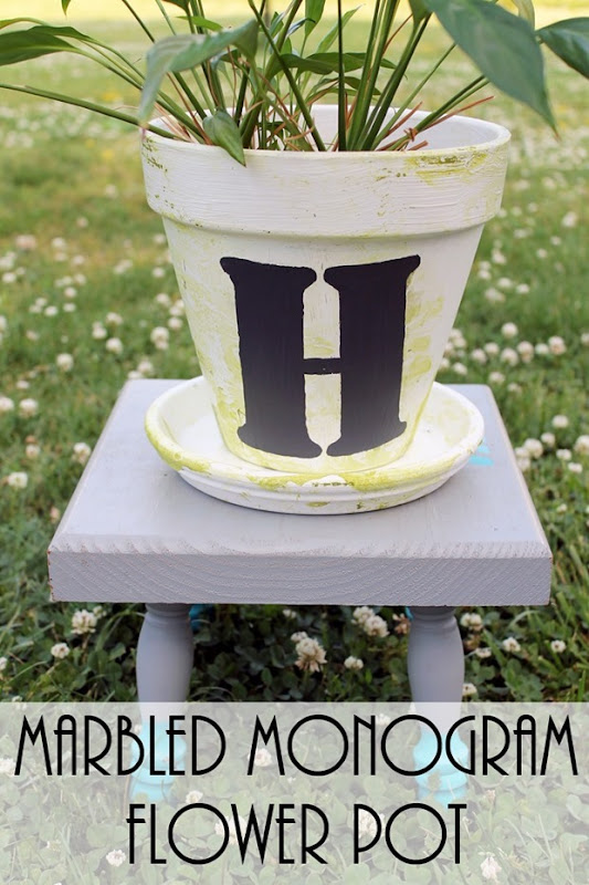 marbled-monogram-flower-pot-008