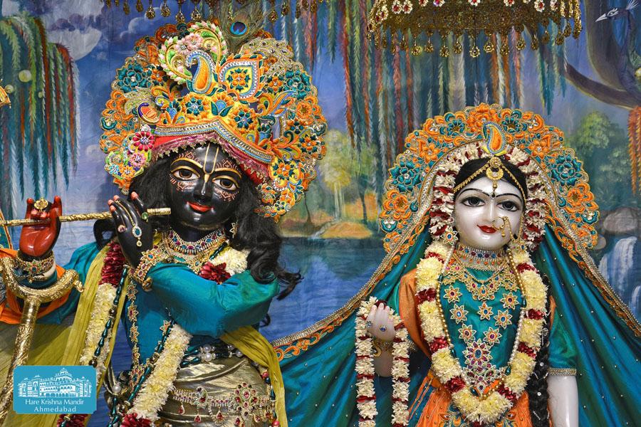 ISKCON Hare krishna mandir Ahmedabad 14 Dec 2016 (4)