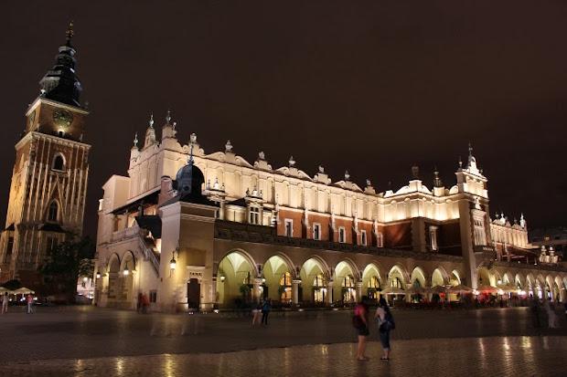 La Lonja de Paños en la plaza del Mercado de Cracovia