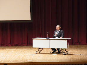 Photo: さっそく症例発表に。最初の座長は木原先生。