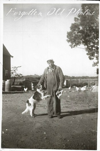Man and dog Fea MKT GR