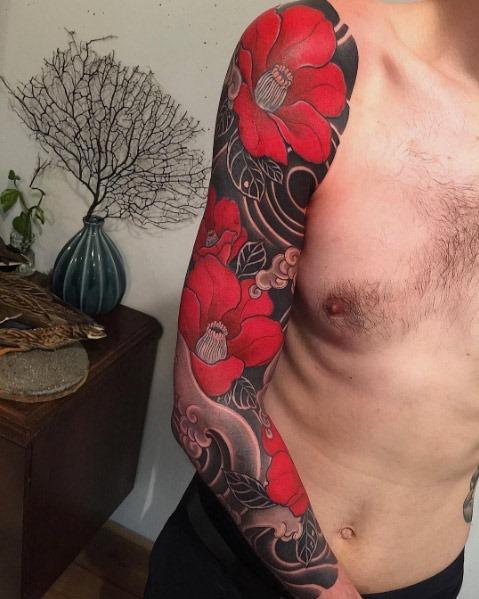 este_tsubaki_luva_cheia_de_tatuagem_