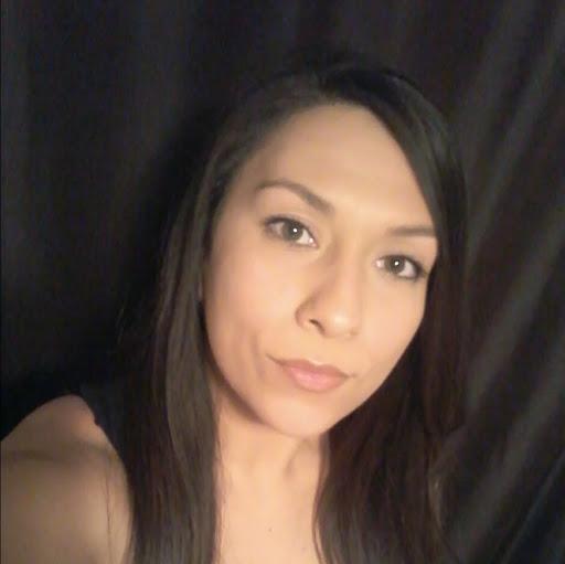 Regina Quiroz Photo 5