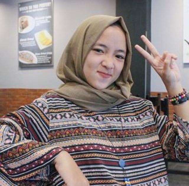biodata profil dan semua tentang nissa sabyan penyanyi gambus arab cantik