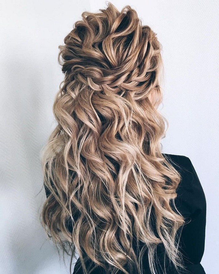 Half Up Half Down Hairstyles For Woman In 2018 4