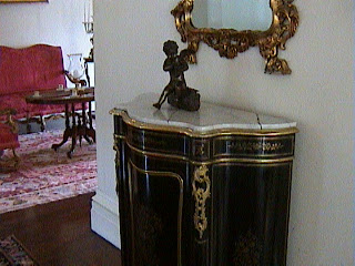 0890Inside_a_Southern_Mansion_-_New_Orleans
