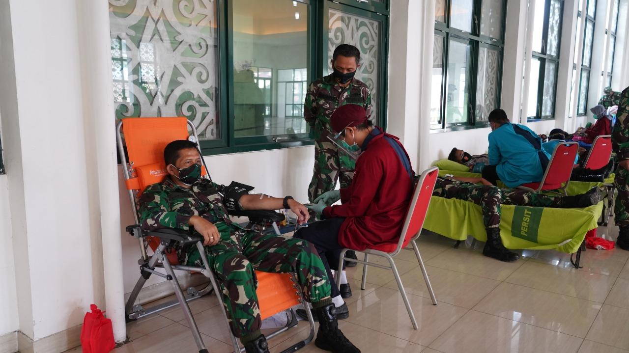 Kelangkaan Stok Darah Saat Pandemi Di Samarinda, Korem 091/ASN Bantu Donor Darah