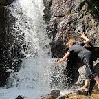 Sprudelfrisches Wasser auf dem Lake Agnes Trail