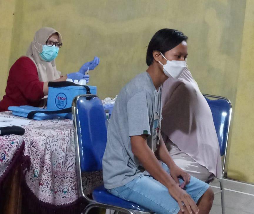 Masyarakat Desa Pengarasan Bantarkawung  Antusias Divaksin Bahkan Melebihi Target Kuota