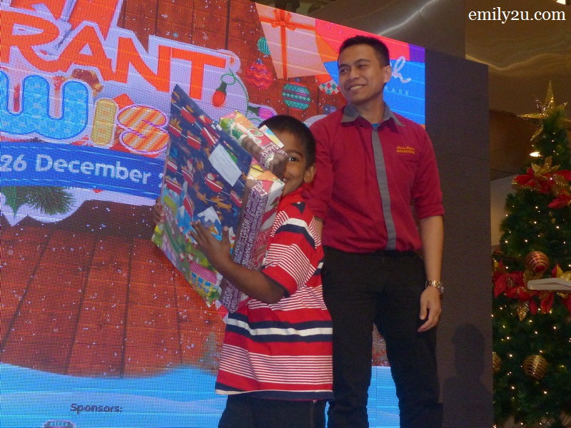 Ipoh Parade Grant A Wish