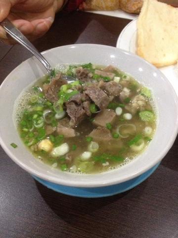 maniak-makan-empal-gentong-haji-apud-khas-cirebon-empal-asem
