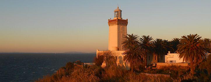 Leuchtturm am Cap Spartel in der Abendsonne, Marokko