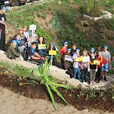 экологические плакаты и таблички, призывающие беречь природу, бережно относиться к ручью, соблюдать чистоту.
