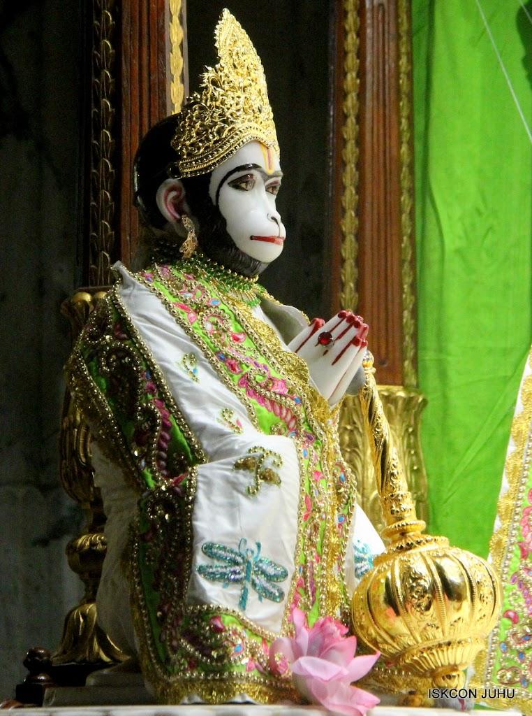 ISKCON Juhu Mangal Deity Darshan on 4th June 2016 (8)