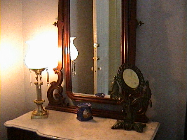 0880Inside_a_Southern_Mansion_-_New_Orleans