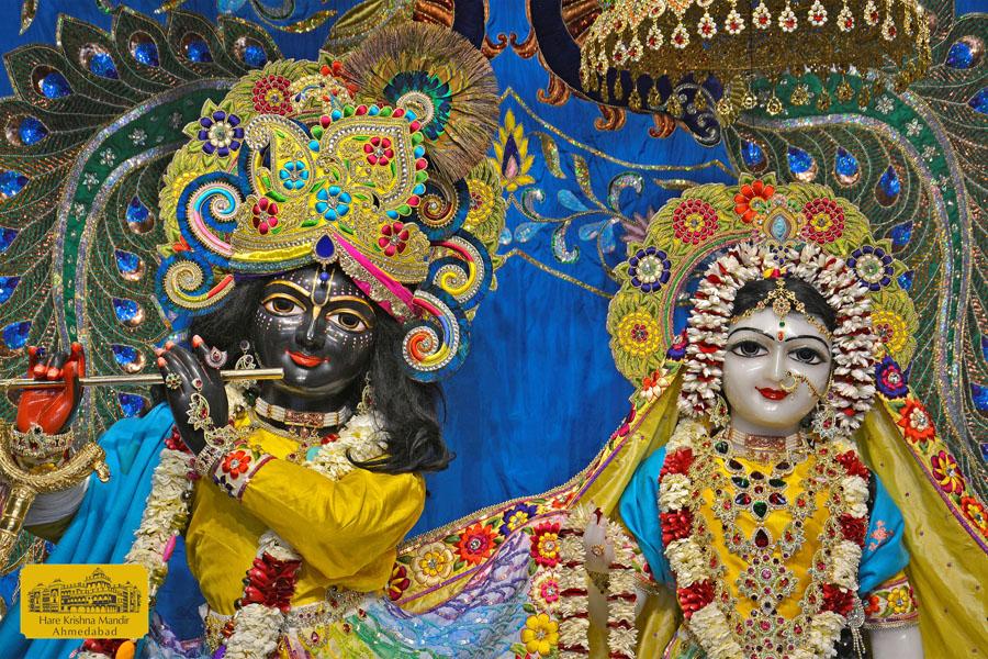 ISKCON Hare Krishna mandir Ahmedabad  05 Jan 2017 (4)