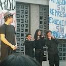 """Corto Teatral """"Parodia a Hamlet"""" - Días de Tomas"""
