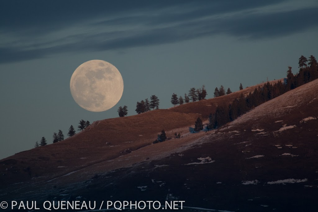 A cold November full moon over Mount Sentinel.