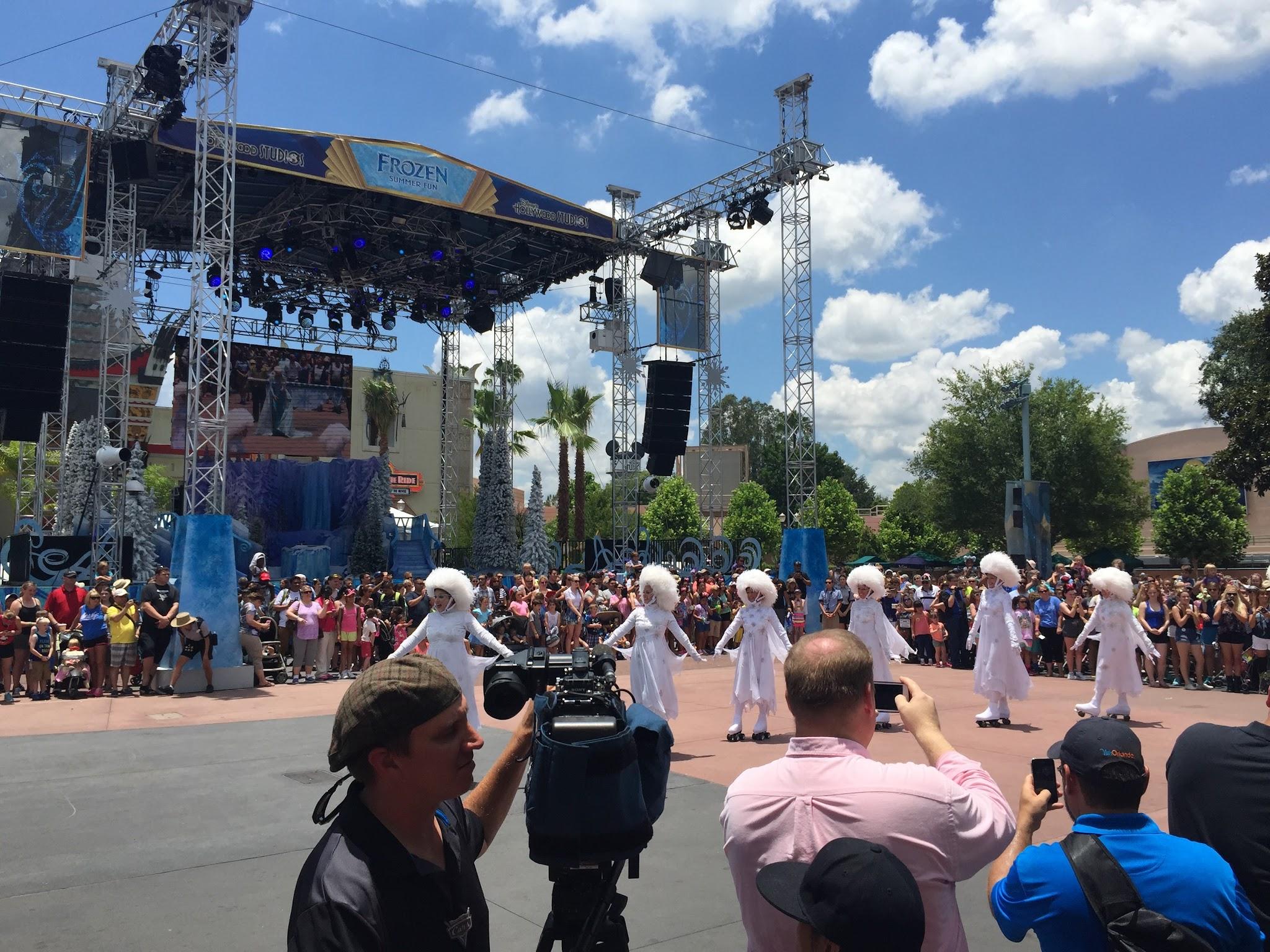 2015 Frozen Summer Fun Starts At Disneys Hollywood Studios