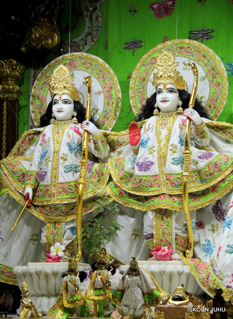 ISKCON Juhu Mangal Deity Darshan on 1st Jan 2016 (52)