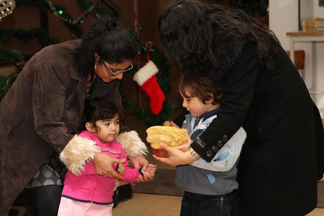 OLOS Navidad 2010 con Amigos Migrantes - IMG_9813.JPG