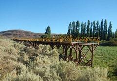 Brücke im Abseits