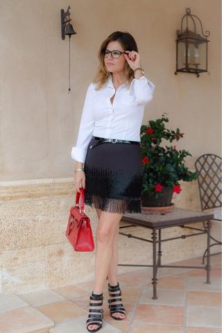 Tendencia Shiny: llevar alguna prenda brillante de día o de noche.