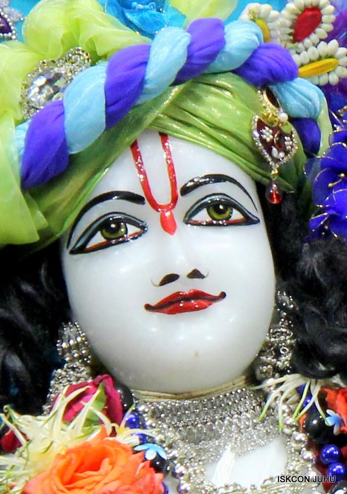 ISKCON Juhu Sringar Deity Darshan 17 Aug 2016 (36)
