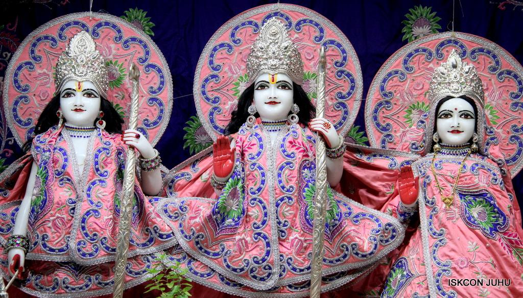 ISKCON Juhu Mangal Deity Darshan on 30th Sep 2016 (7)