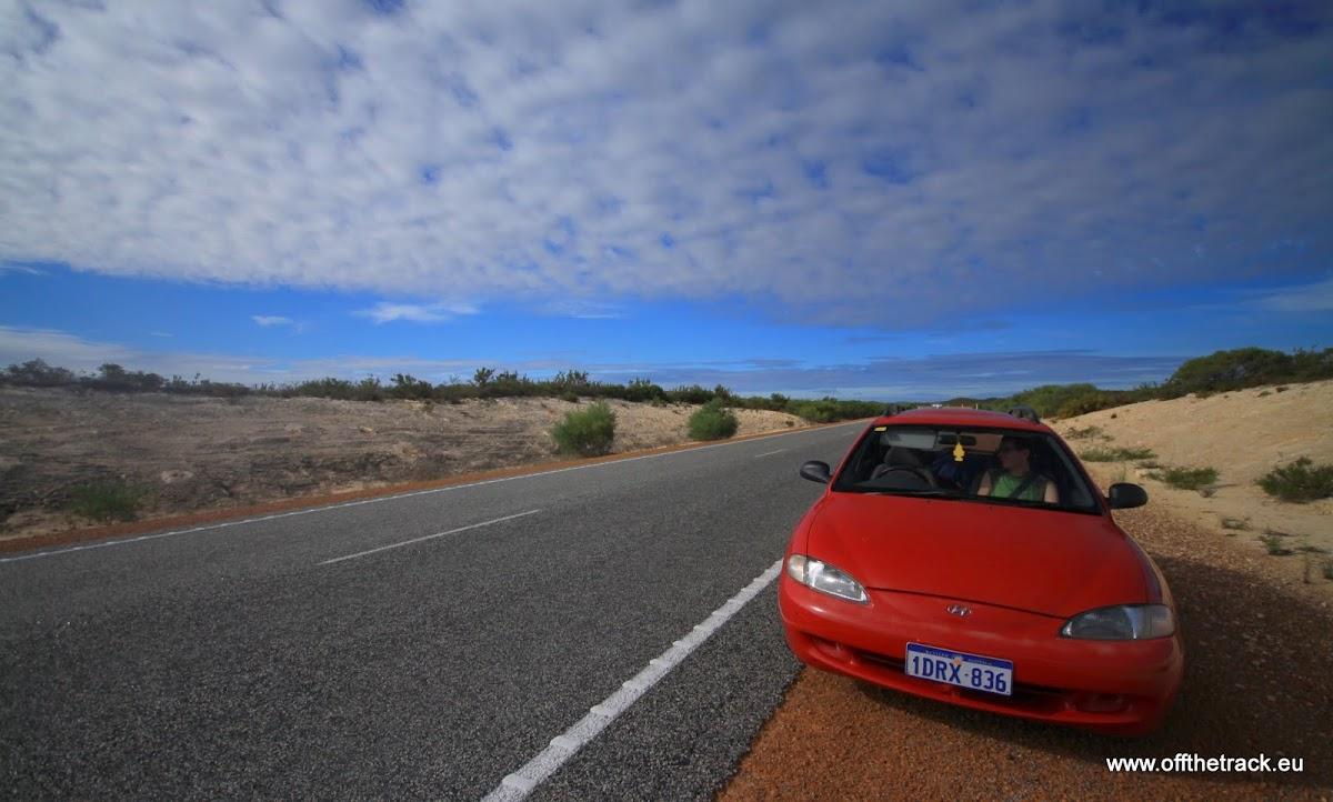 Nasz samochód na poboczu drogi w Australii