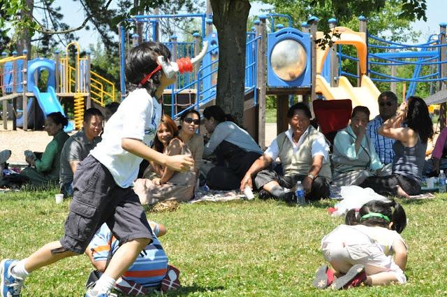 TAW celebrating H.H the Dalai Lama Bday at Magnuson Park 2011 - Trungkar--Magnuson%25252520park%25252520214.JPG