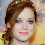 jane-levy-red-romantic-tousled-updo-hairstyle.jpg