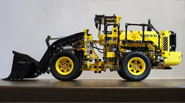 lego technic hub the amazing volvo 42030 wheel loader. Black Bedroom Furniture Sets. Home Design Ideas
