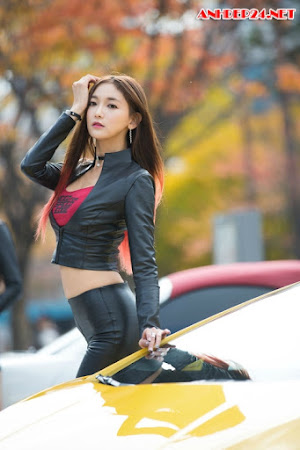 Moon Ga Kyung khoe body nóng bỏng