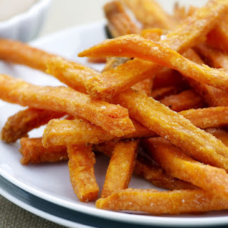 Healthy Low-Fat Baked Sweet Potato Fries (Gluten-free, Vegan).