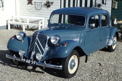 Citroën Traction 11 BL 1953 bleu d'Islande