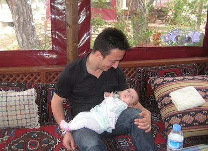 Sevim Ailesi - Antalya Baba-Kız hasret gideriyorla.jpg
