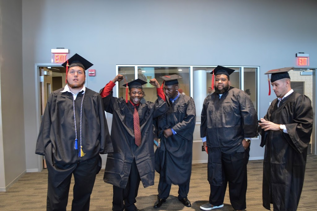 UAHT Graduation 2017 - 20170509-DSC_5098.jpg