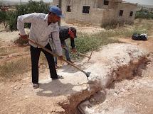 Program veřejných prací Peníze za práci je zdrojem obživi pro místní obyvatele. (Foto: Archiv ČvT)