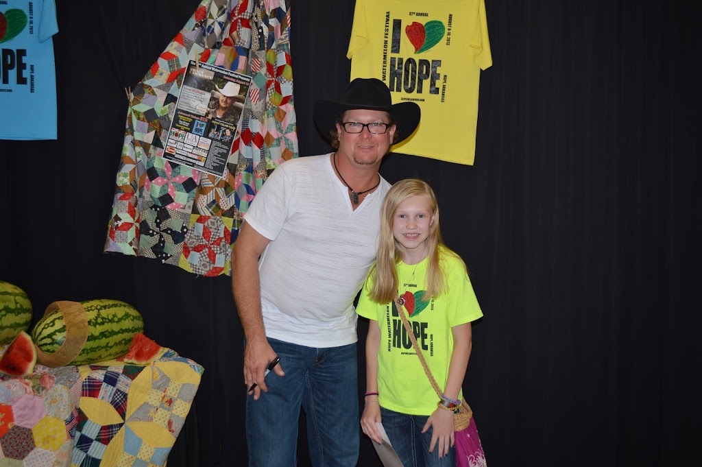Tracy Lawrence Meet & Greet - DSC_2911.JPG
