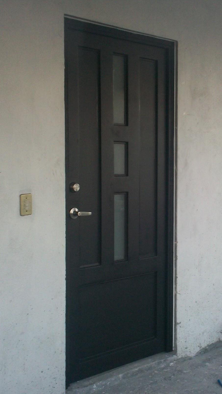 Fotos puertas principales com portal pelautscom picture for Modelos de puertas metalicas