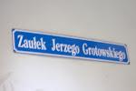 Grotowski alley!
