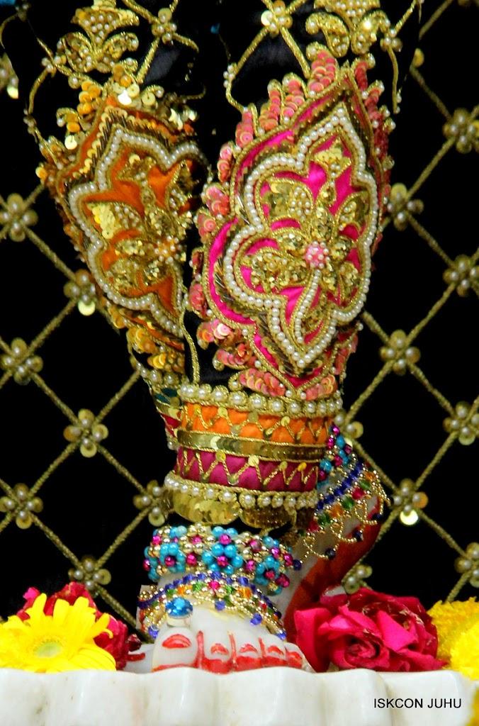 ISKCON Juhu Sringar Deity Darshan 09 Apr 16 (41)