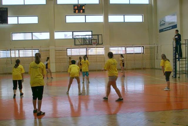 Zawody siatkarskie dziewczat 1 marca 2011 - DSC09322_1.JPG